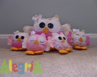Owl toy: Owl mommy and 4 babies.
