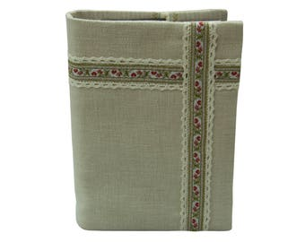 Praise cover beige with floral trim