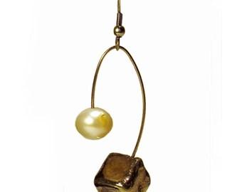 Earrings with Raku pendant and pearl of river