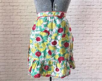 garden print apron, vintage floral apron, ric rac accent apron, abstract floral print apron, vintage half apron, floral pattern half apron