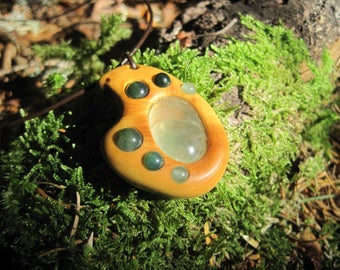Fairy pendant, boxwood and gemstones