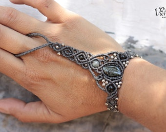 Macrame Slave bracelet with golden Obsidian and labradorite balls/bracelet with macrame ring with golden obsidian and Labradoritas