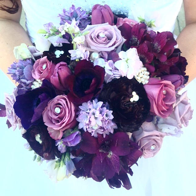 Best Disney Wedding Flower Pin 6 Hidden Mickey Mouse Ears Bouquets  VX64