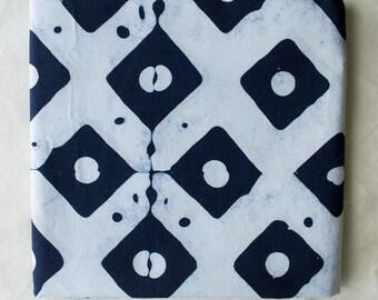 Dots main teint et tissu de coton à motifs de diamants / indigo et blanc / moitié de jardinage