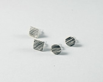Scratched shapes earrings