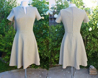 1970's Tan Doubleknit Dress Size 6-8 Vintage REtro 70's Hipster Short Sleeves Day Office Teacher
