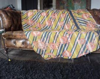 Jeté de lit ou couvre lit (bed-spread)