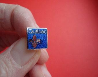 Quebec // Vintage Souvenir Pin // Canada // La Belle Province // fleur-de-lis // Fleurdelisé // Quebec Symbols // Lapel Jewelry