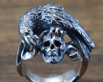 RAVEN and SKULL Ring,delicate hand carving,925 Solid,Sterling Silver,Crow ring