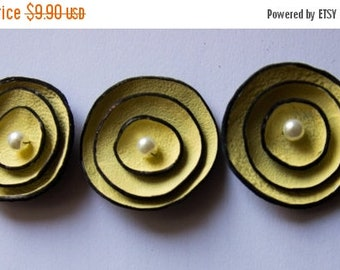 50% OFF SALE Round leather flowers Jewelry supplies Cabochon flowers Leather crafts