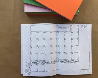 2018 maandelijkse Planner   Opsommingsteken Journal   2018 dagboek   Kleurboek voor volwassenen   Kleurplaat   Hand getrokken   Unieke   Activiteit   To Do List   Cadeau