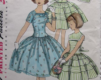 Simplicity 1557/Vintage Sewing Pattern/Girls Size 8 Dress with Separate Collar/Chest 26 in/1950s