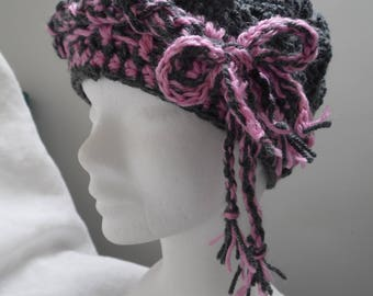 Openwork Hat gray and pink crochet turban effect front