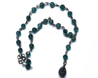 blue/green beaded quartz charm choker