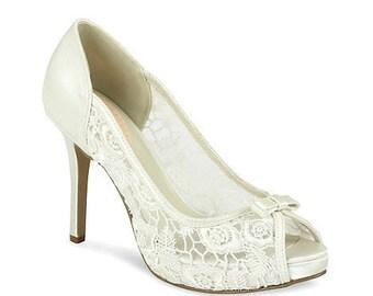 Wedding Shoes, Lace Wedding Shoes, Ivory Bridal Shoes, Ladies Wedding Shoes, 3 3/4 inch heels, Wedding Accessories, Pink2Blue Wedding Shoes