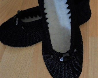 handmade knitting booties with black beads
