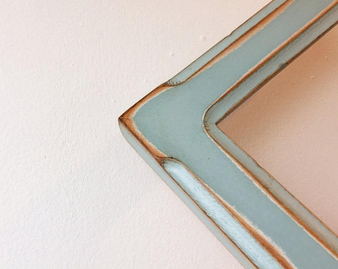 Super Vintage Color of Your Choice in Wide Bones Style - Choose your frame size -  3x3, 4x4 up to 16x16, 16x20 inches - Distressed Frames