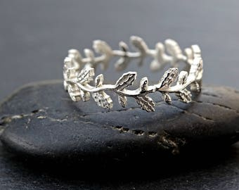 dainty Oak leaf ring sturdy, leaf eternity ring silver, pagan wedding ring filigree ring silver lace ring Oak wreath ring silver floral ring