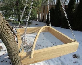 Platform, tray open bird feeder