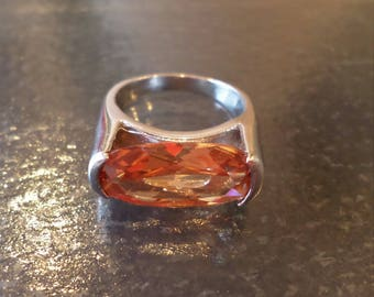 Silver Tone Fashion, Oval Faceted Glass Stone Ring, Size 8.