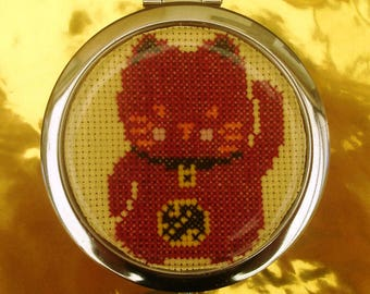 Bag or Maneki Neko lucky cat Pocket mirror