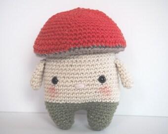 Little pretty crocheted mushroom bear- Petit ours champignon crocheté - amigurumi - doudou au crochet