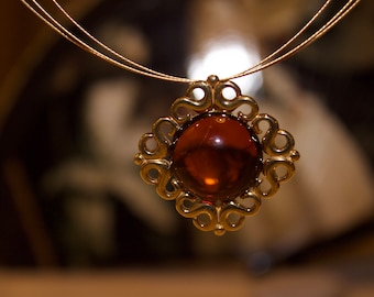 Cherry Amber Pendant , Silver Gold  6,7 g
