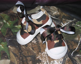 Camouflage hand painted shoes