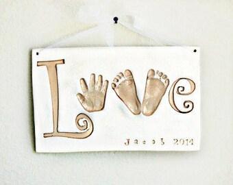 Empreinte de la main amour Plaque - souvenir de bébé cadeau - souvenir de bébé - cadeau de naissance souvenir - personnalisé cadeau bébé - bébé crèche Art - mentions légales