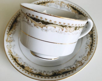 Five Signature Collection Select Fine China Footed Cup and Saucer Sets - Queen Anne Pattern - 1960's