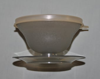 set of 6 Tupperware Dessert/Pudding/Jello Cups - includes lids