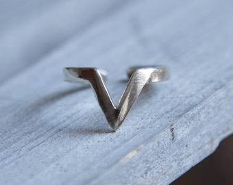 Chevron Ring, Minimalist Silver Ring, Silver Chevron Ring, Adjustable Minimalist Ring, Minimalist Stacking Ring, Silver Stacking Ring