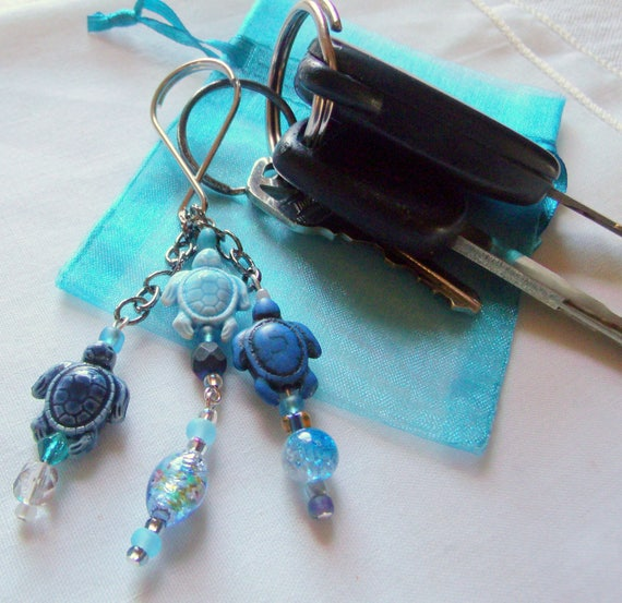 Turtle key chain - tassel blue ceramic key chain - sea life - ocean - howlite  bead - teen gift - Blue turtle gift - key ring  Lizporiginals