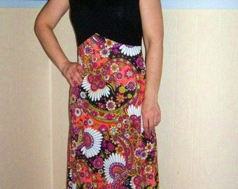 REDUCED 60s Psychedelic Fitted Maxi Hostess Dress SMALL