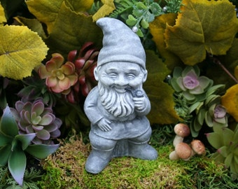 Garden Gnomes Vintage Style German Pipe Smoking Gnome