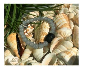 Onyx bead with grey/blue beads