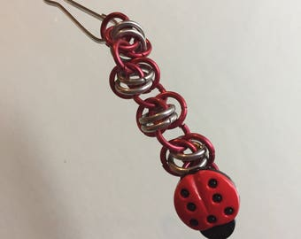 Chainmaille zipper pull with ladybug button