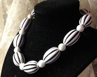 Delightful White Black Striped Large Lucite Bead Choker Necklace Unsigned 1960's 1970's Melon Shaped Beads White Round Beads Day Wear Woman