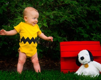 READY TO SHIP Great Baby Shower Gift bodysuit- Charlie Brown inspired sewn cotton zig zag chevron applique