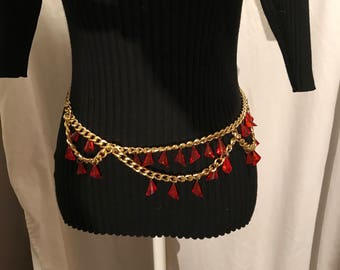 1950's chain belt with lucite dangling pendants