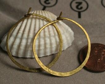 Handmade hammered infinite circular solid brass hoop 30mm, one pair (item ID LEB5-2G18)