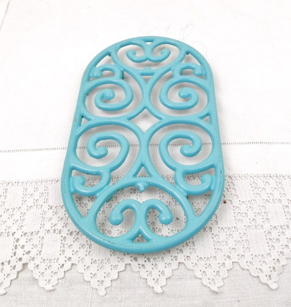 Large Vintage French Oval Turquoise Blue Enameled Metal Trivet, Big Enamelware Hot Mat from France, Chic Country Cottage Kitchen Decor