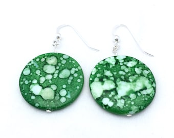 Green mother of pearl disc earrings, dyed mother of pearl, MOP disc earrings, sterling silver and mother of pearl, green amoeba earrings