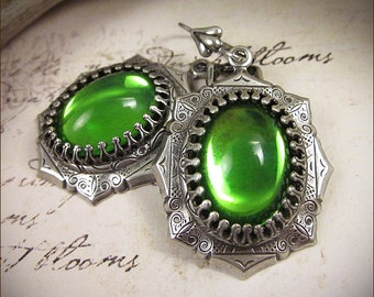 Peridot Green Renaissance Earrings, Antiqued Jewel Earrings, Tudor Earrings, Renaissance Wedding, SCA Jewelry, Medieval, Ready to Ship