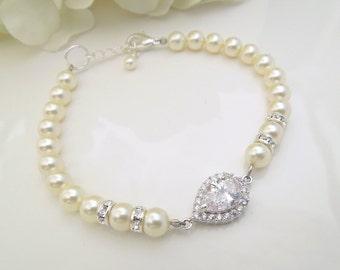 Pearl Bracelet Bridal Bracelet swarovski Pearls Swarovski Bracelet Wedding Bracelet crystal bracelet bridal jewelry wedding jewelry AUDREY