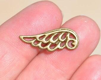 1 Antique Bronze Wing Charm BC2881