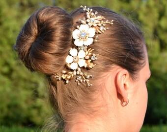 Flower Gold pearl comb Swarovski crystals and pearls comb Leaf Bridal headpiece Wedding headpiece Wedding pearl comb Gold comb Veil comb