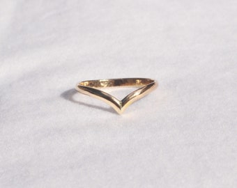 Pointed Band