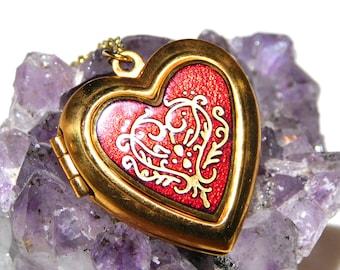 Heart Locket Necklace MMA 80s