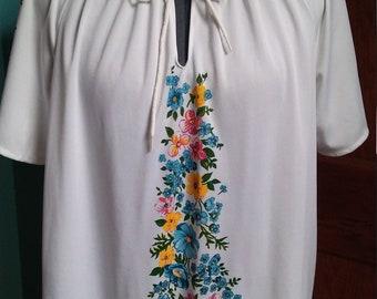 Vintage Deuces Wild White Floral Boho Top with Floral Print